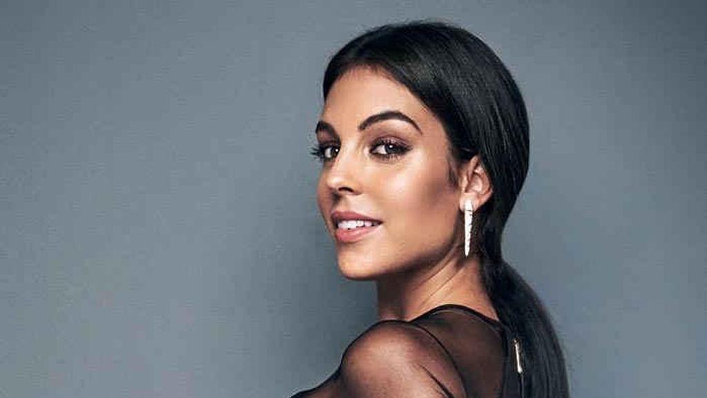 Kecantikan Georgina Rodriguez yang Tengah Hamil Anak Cristiano Ronaldo