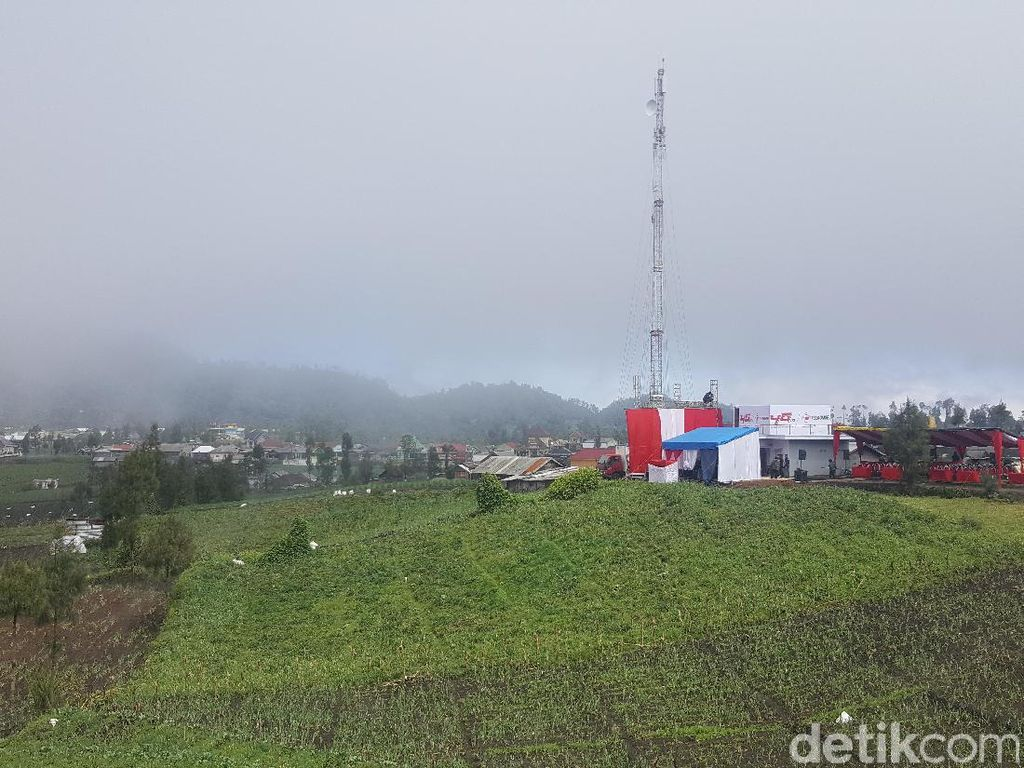 Pentingnya Jaringan Seluler Bagi Masyarakat di Kaki Gunung Semeru