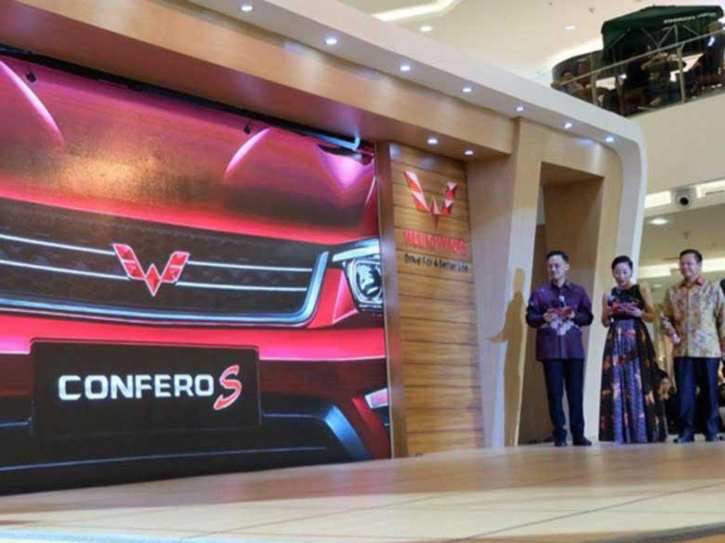 MPV Wuling Tawarkan Kabin Luas untuk Keluarga
