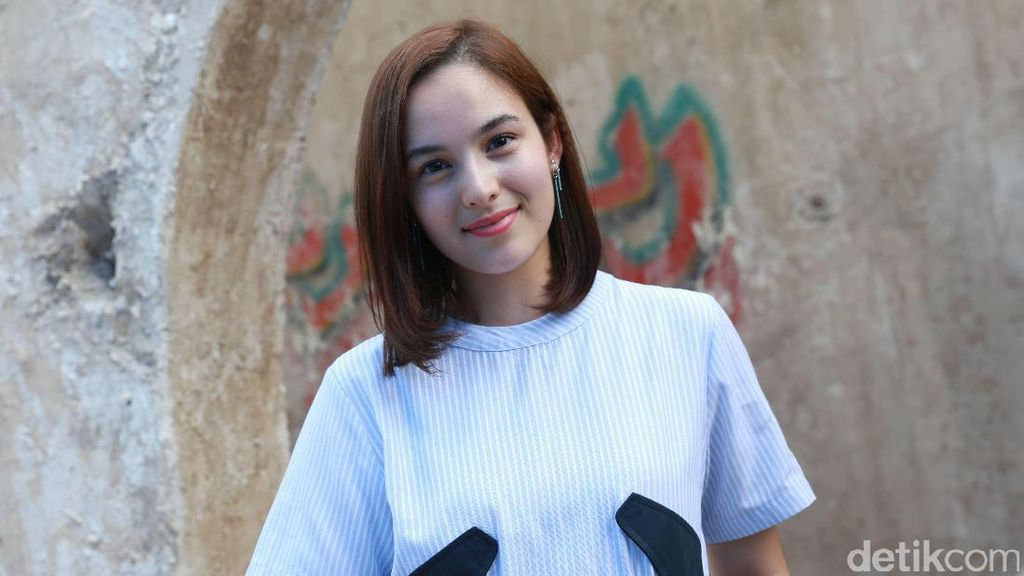 Nggak Bikin Diabetes! Lihat Manisnya Senyuman Chelsea Islan