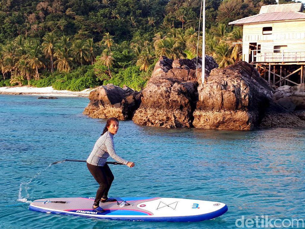 Saat Menteri Susi Lincah dan Energik Menjelajah Laut Natuna