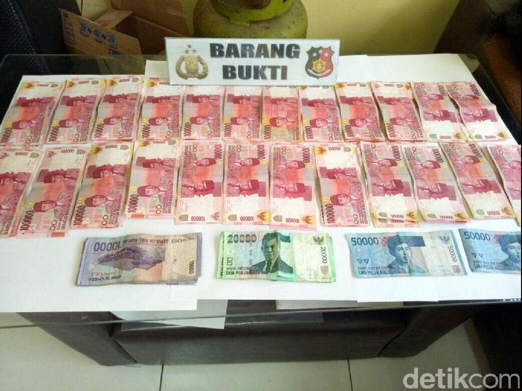 Saber Pungli OTT 3 Oknum PNS Cianjur yang Diduga Pungli Sertifikasi
