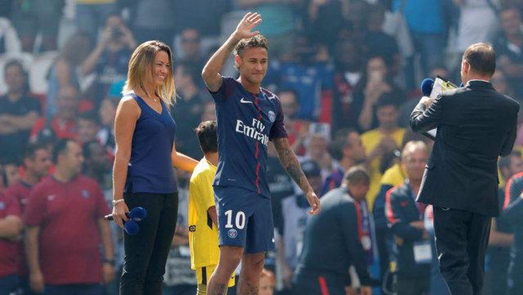 Neymar: Bonjour, Paris!