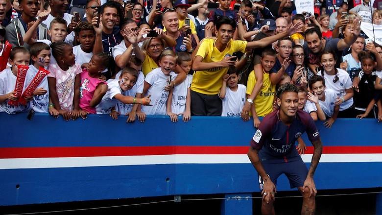 Ini Pesan dan Harapan Ronaldinho untuk Neymar di PSG