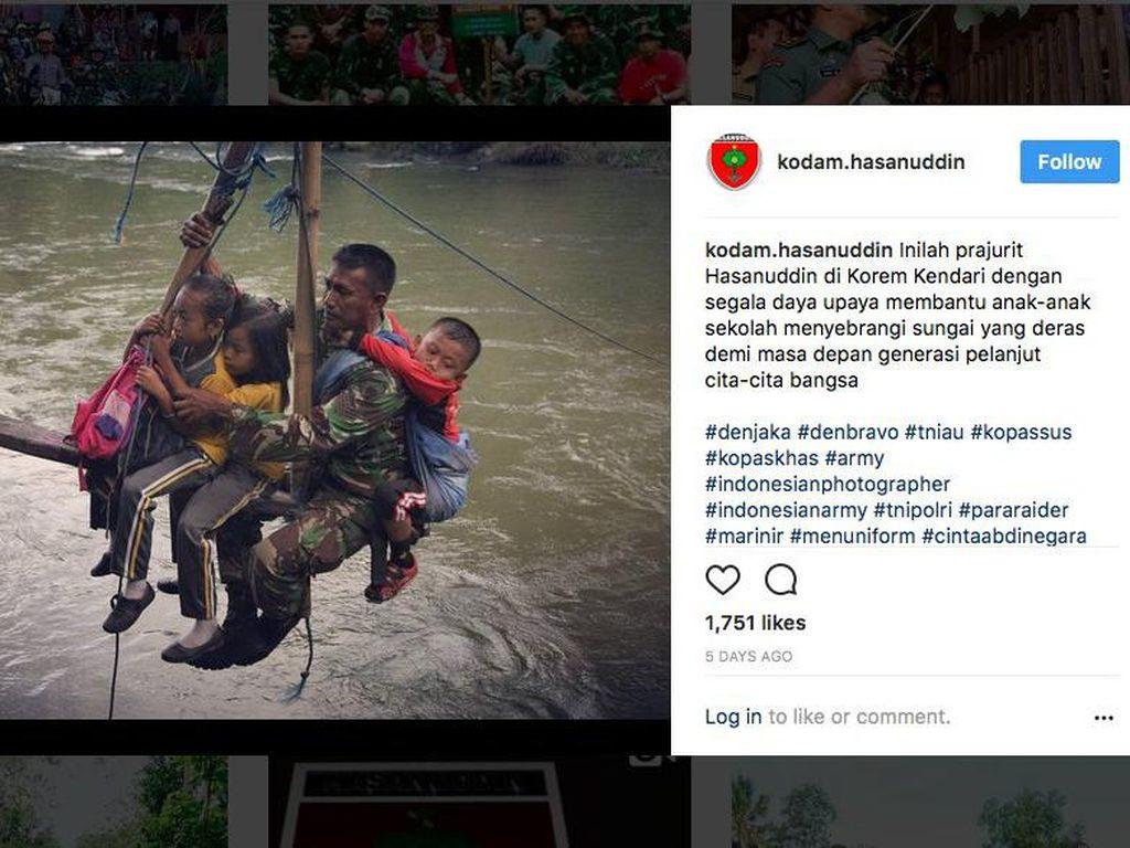 Bantu Anak Sekolah Seberangi Sungai, Serka Darwis Dapat Penghargaan TNI