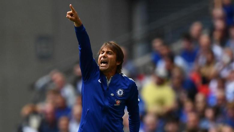 PR Conte Agar Pemain Chelsea Tak Lagi Gampang Dikartu Merah