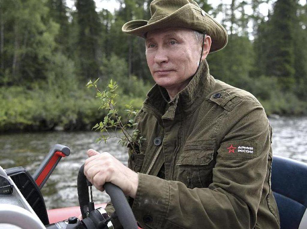 Putin: Mobil BBG Lebih Asyik dari Mobil Listrik