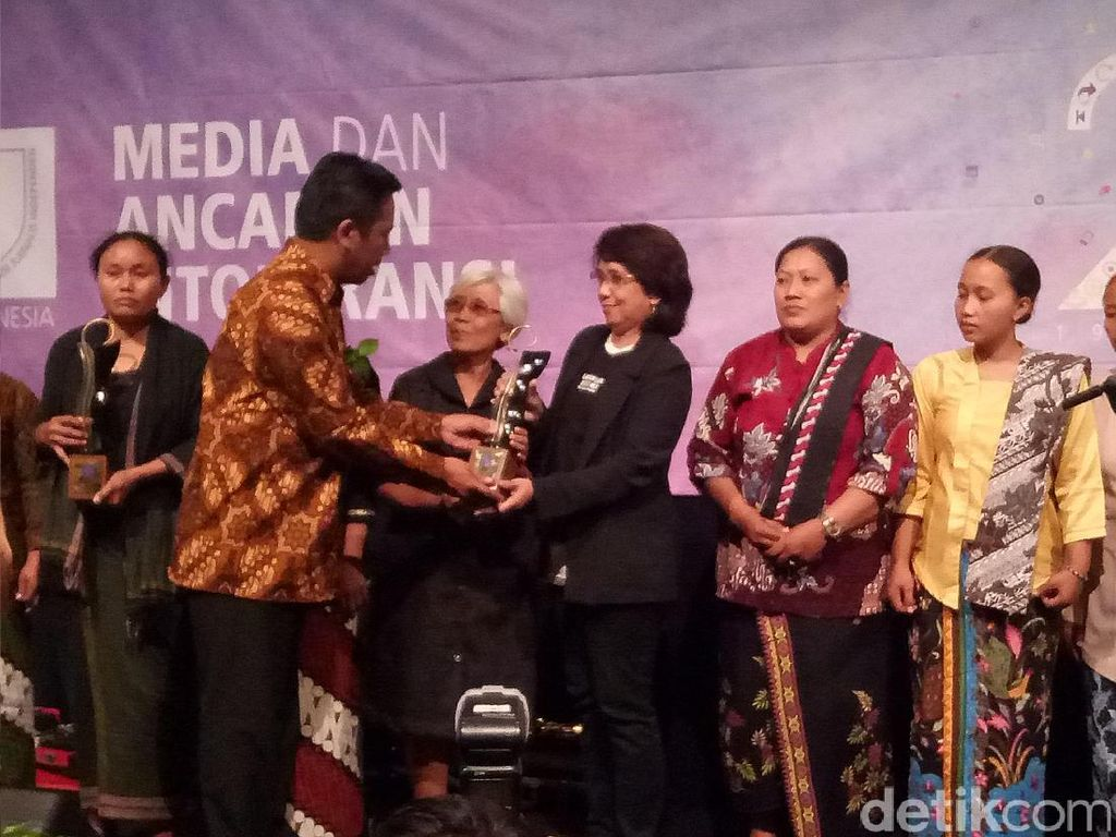 Suciwati hingga Aktivis Kendeng Raih Penghargaan di HUT Ke-23 AJI