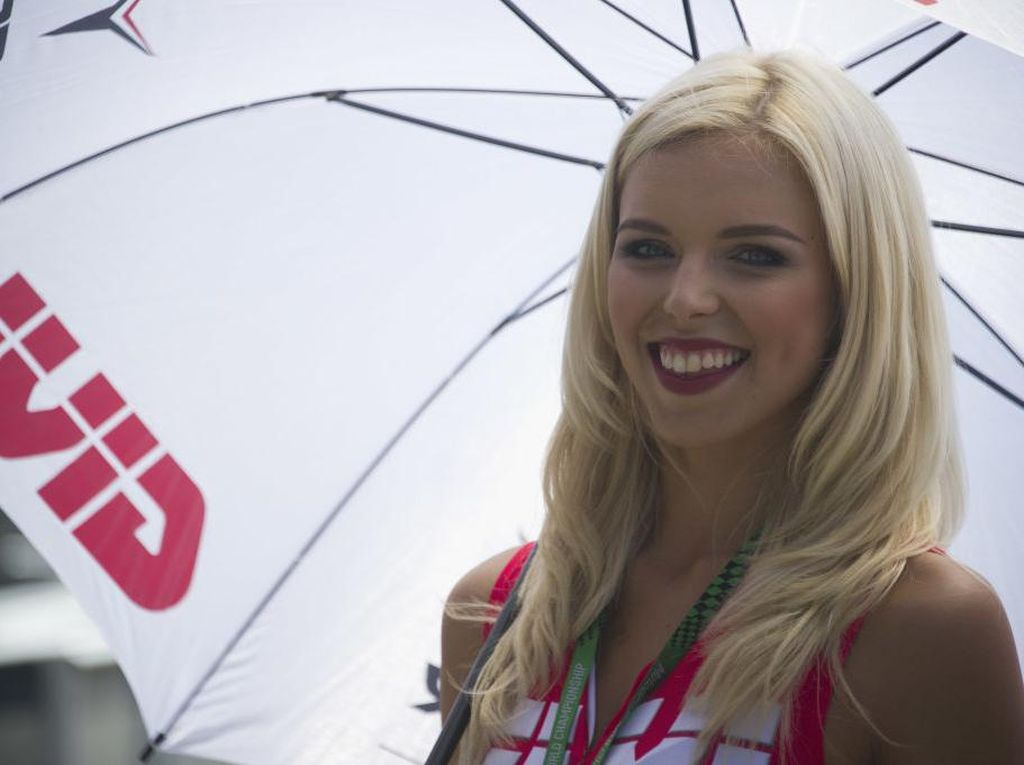 Selamat Tinggal Umbrella Girl F1