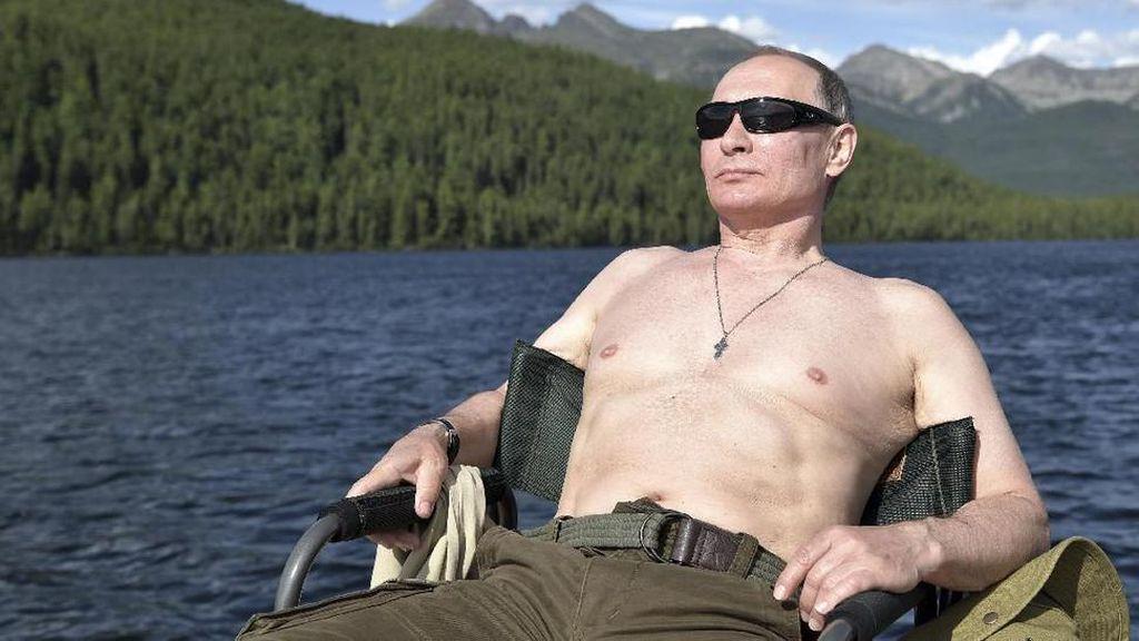 Membandingkan Putin dan Prabowo Saat Telanjang Dada