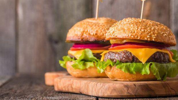 Hati-hati 15 Makanan Enak Ini Paling Sering Bikin Anda Ketagihan! (1)