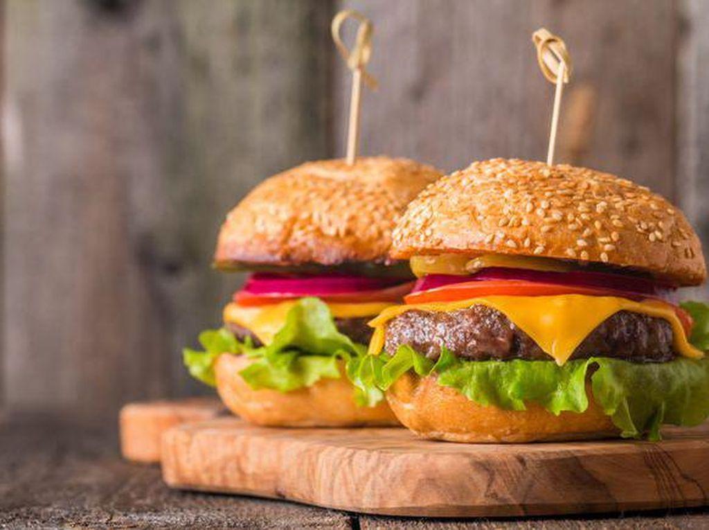 Wow! Robot Canggih Ini Masak Burger dalam Waktu 5 Menit