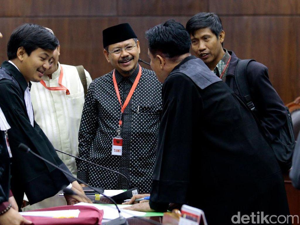 Foto: Suasana Sidang Perdana HTI Gugat Perppu Ormas