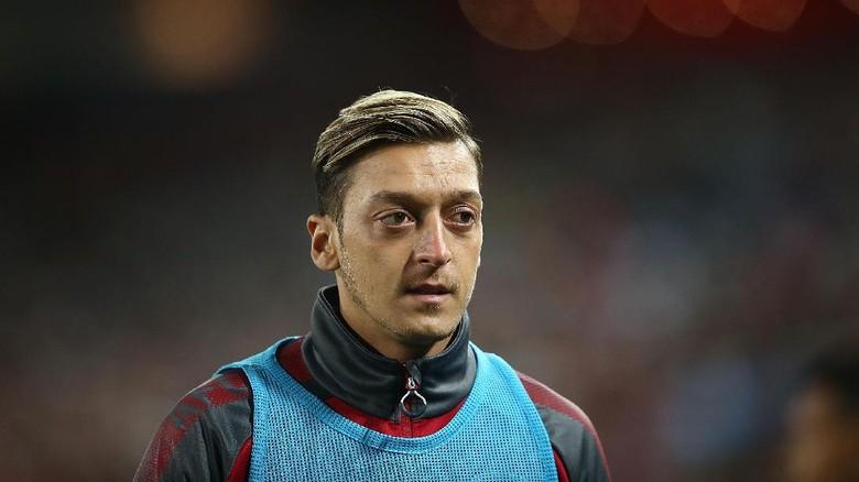 Hadapi Cologne, Arsenal Istirahatkan Oezil dan Ramsey