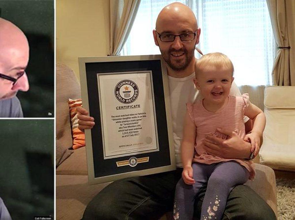 Dikagetkan Putrinya, Gamer Ini Malah Cetak Rekor Dunia