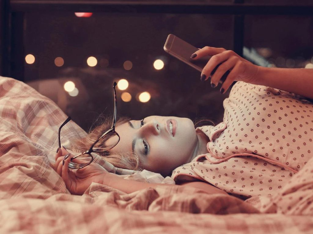 Kriiing! Ini Dampak Kalau Sering Snooze Ponsel Saat Bangun Tidur