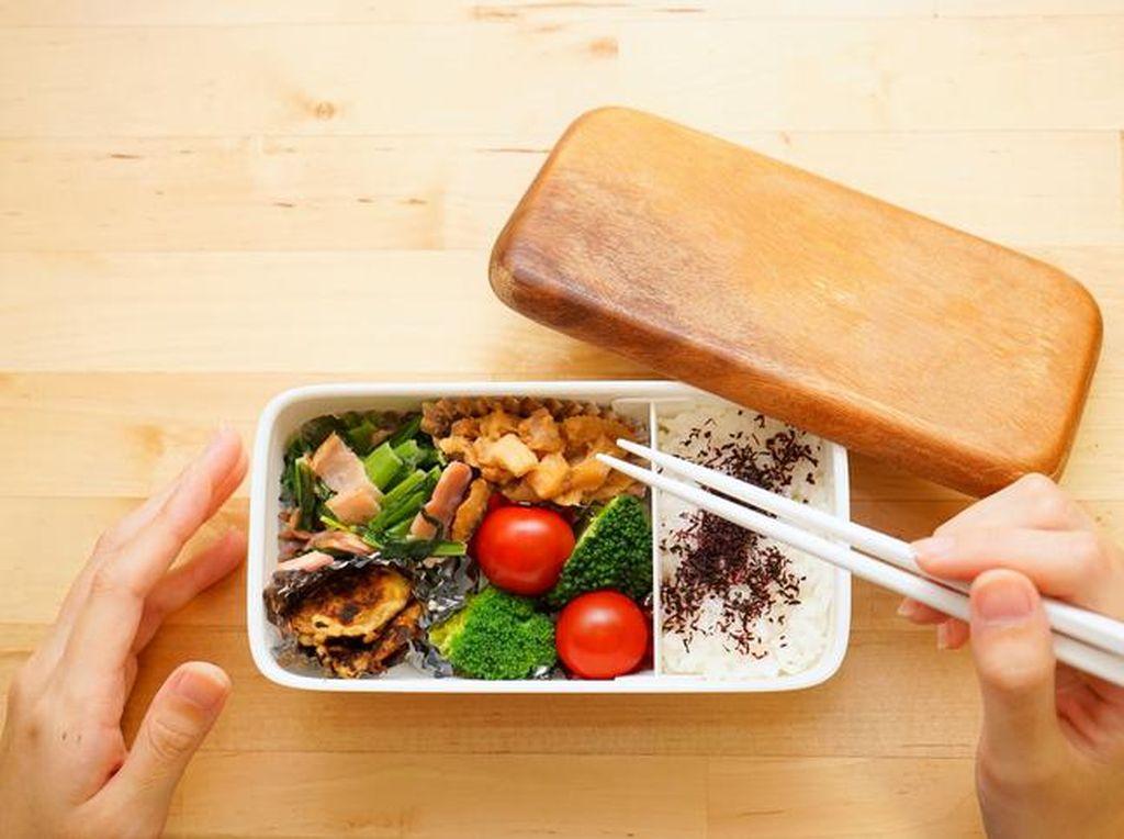 Bawa Bekal Makan Siang? Ini 7 Ide Menu Enak untuk Bekal