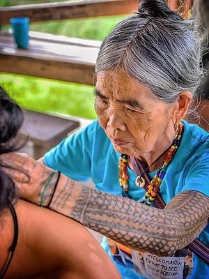 Cerita Kengerian dan Kecantikan Tato Tradisional Filipina