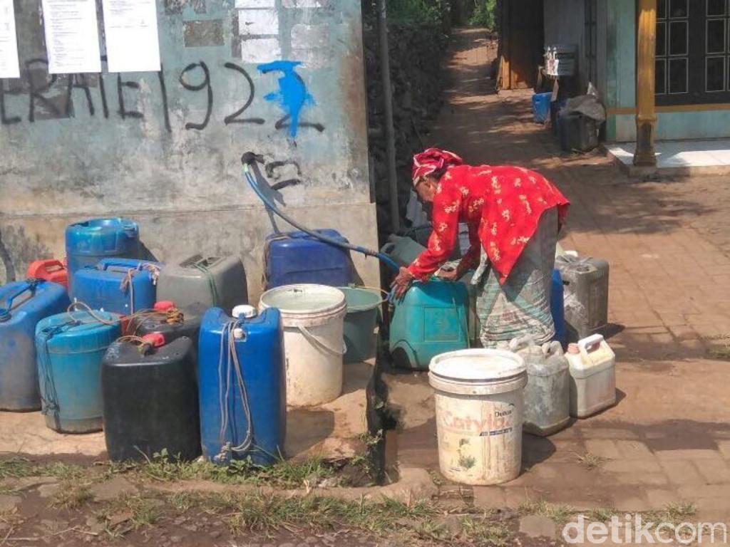 Warga di Lereng Bromo Mulai Kesulitan Air Bersih