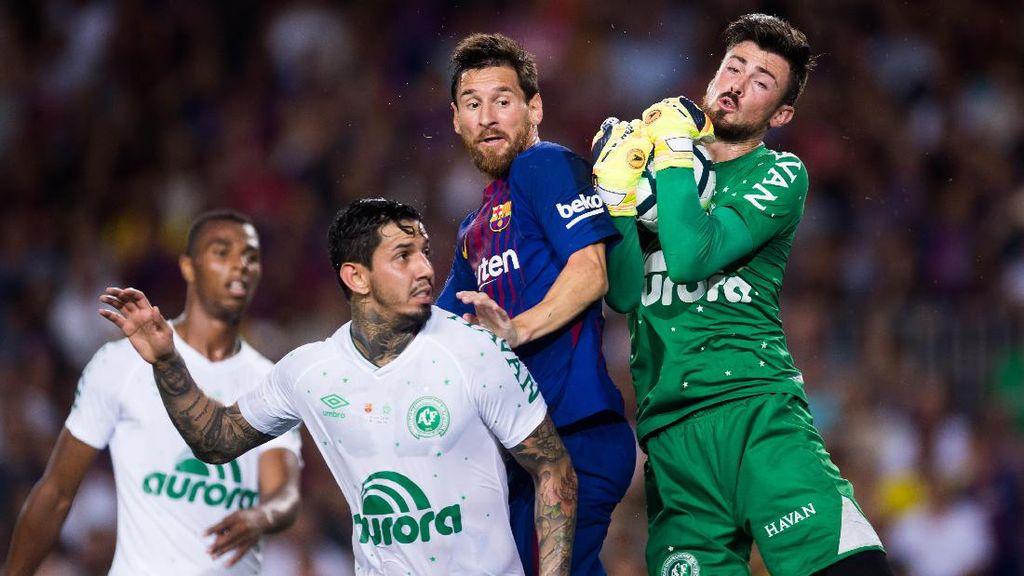 Laga Emosional Barcelona vs Chapecoense di Camp Nou