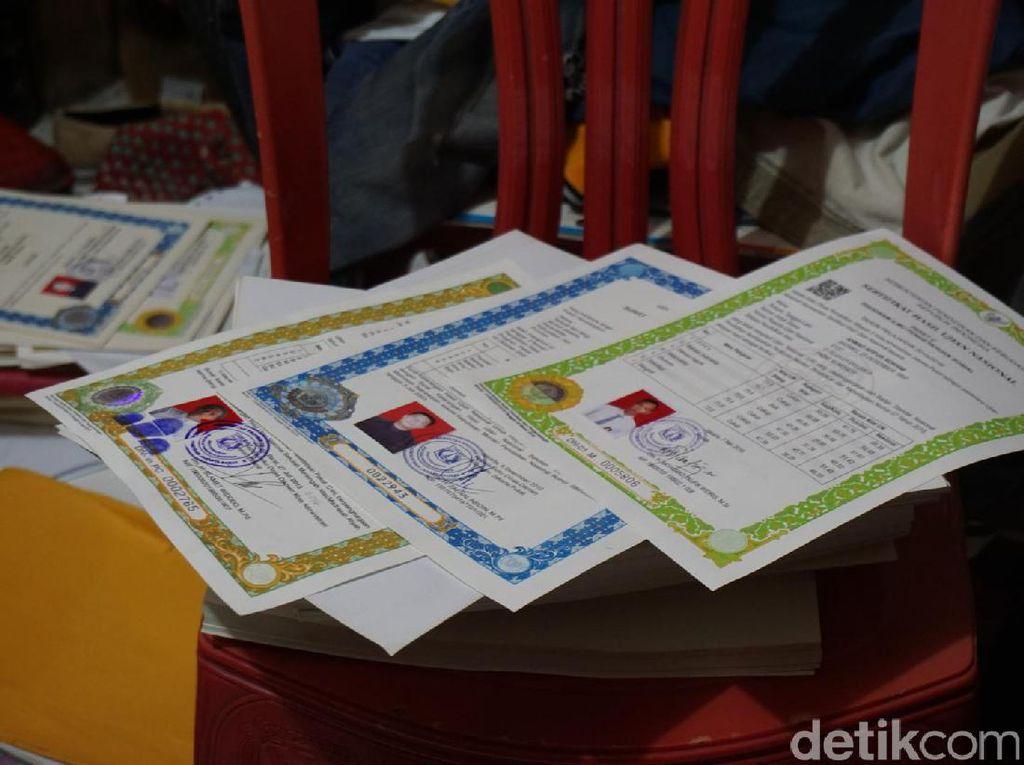 Stempel Polda Metro hingga e-KTP Juga Dipalsukan di Tambora