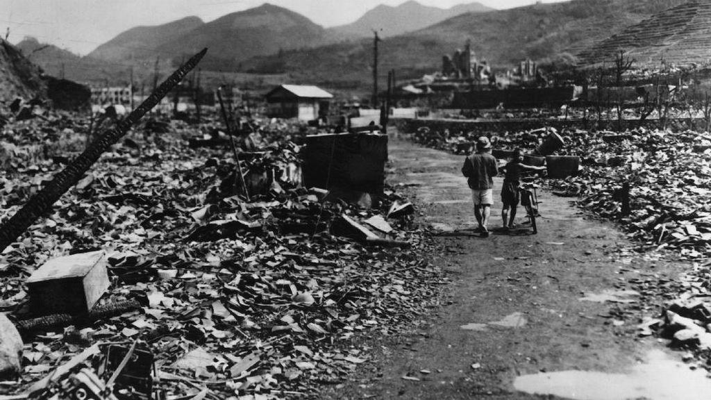 Foto : Dahsyatnya Bom Atom di Kota Nagasaki