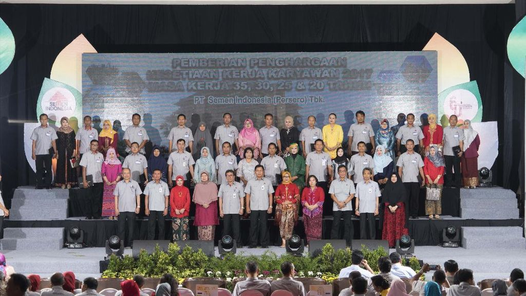 Ultah Pabrik Gresik, Semen Indonesia Beri Karyawan Penghargaan