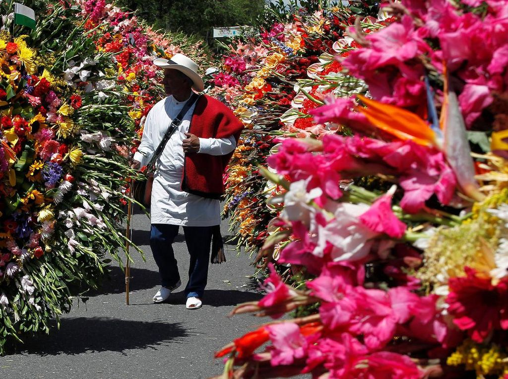 Melihat Warna-warni Festival Bunga di Kolombia