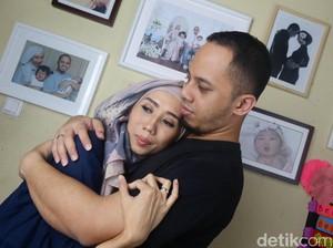 Yang Bisa Dilakukan Suami Saat Istri Alami Depresi Pasca Melahirkan