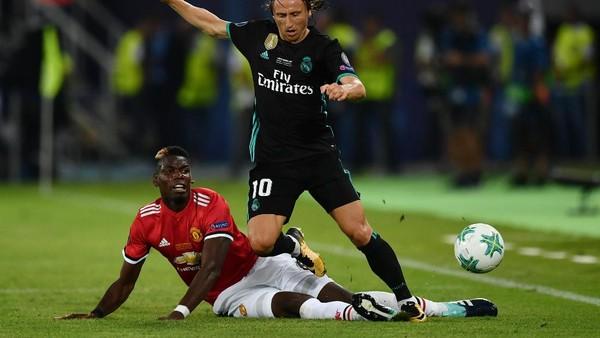 Gerrard Kritik Penampilan Pogba di Babak Pertama