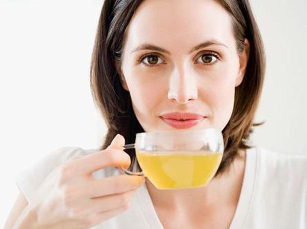 Kalau Terlalu Banyak Minum Teh Hijau, Anda Bisa Alami 5 Efek Buruk Ini