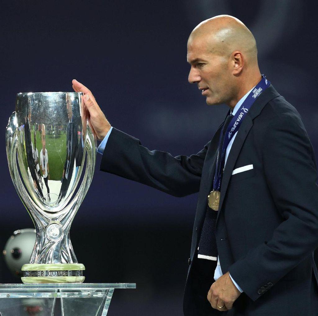 Zidane Ikuti Jejak Sacchi