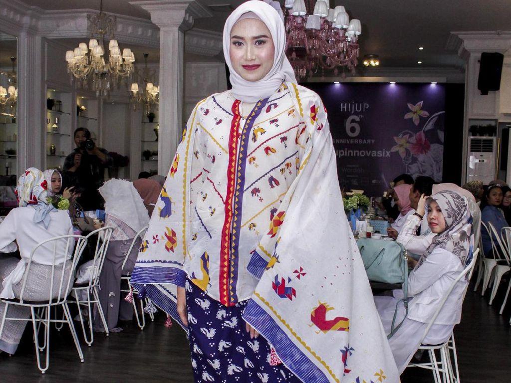 Tutorial Hijab untuk Kebaya dalam Rangka Hari Kemerdekaan