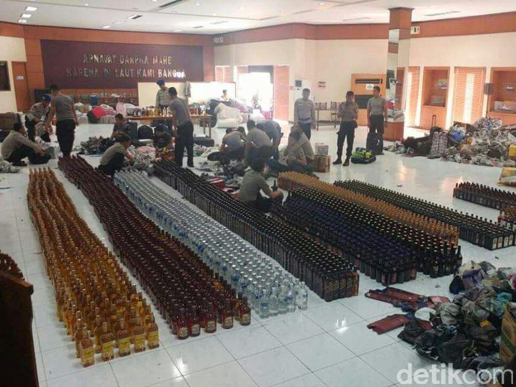 6 Ribu Botol Miras dari Singapura Diselundupkan Pakai Koper