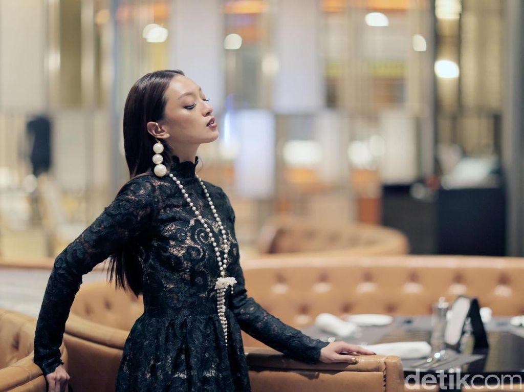 Asmara Abigail Bahas Pole Dance hingga Cowok Idaman