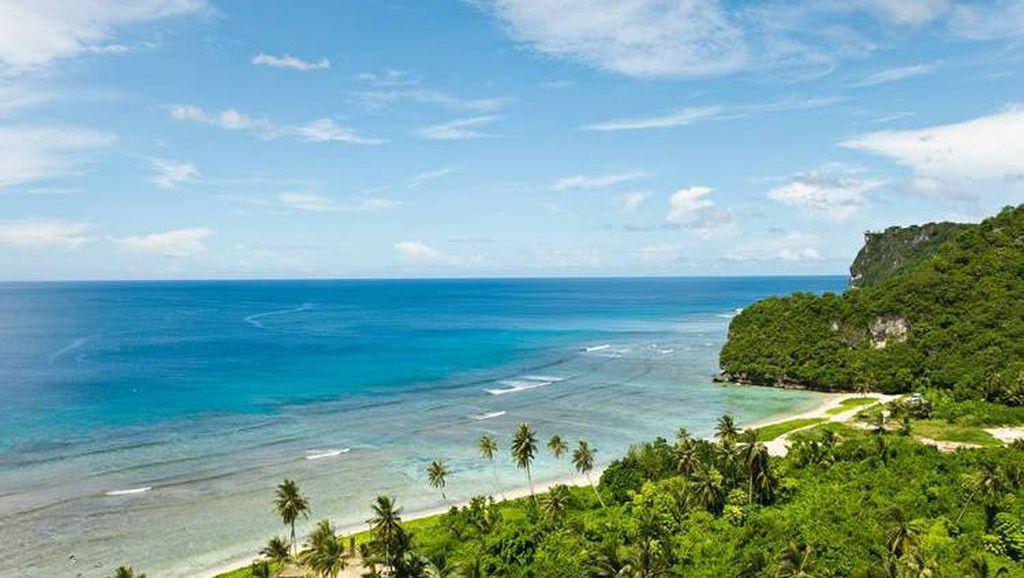 Foto: Kim Jong Un, Lihatlah Betapa Indahnya Pulau Guam