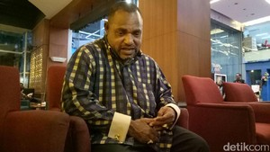 Jimmy Ungkap Sosok Wanita yang Dibawa saat Pelantikan Anggota DPR