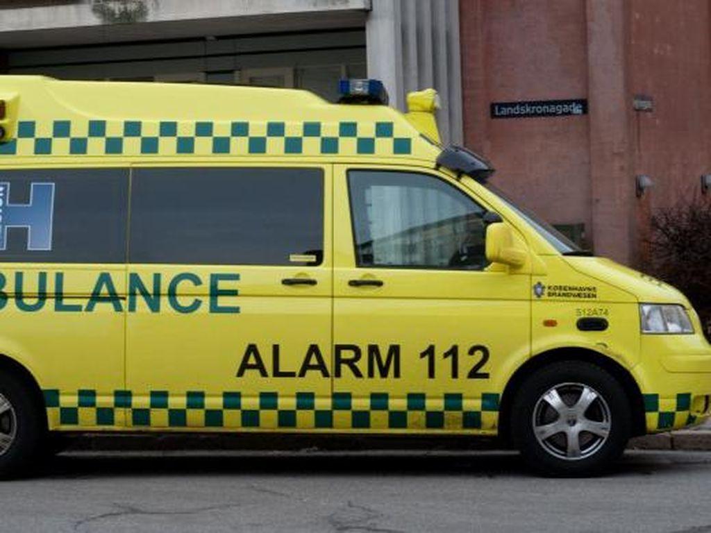 Wara-wiri di Jalan, Pelat Hitam Jadi Ambulans, Memangnya Boleh?