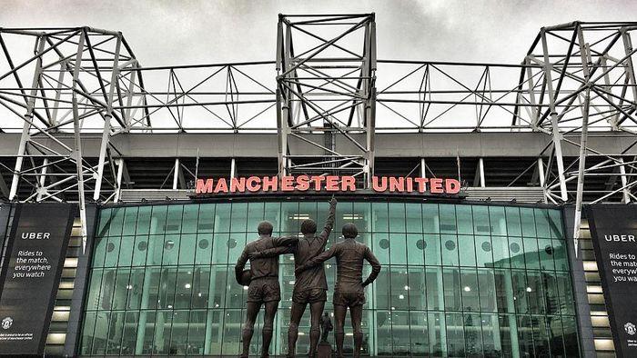 Rumor penjualan Manchester United ke Putra Mahkota Arab Saudi Mohammed bin Salman menguat. (Foto: Mike Hewitt/Getty Images)