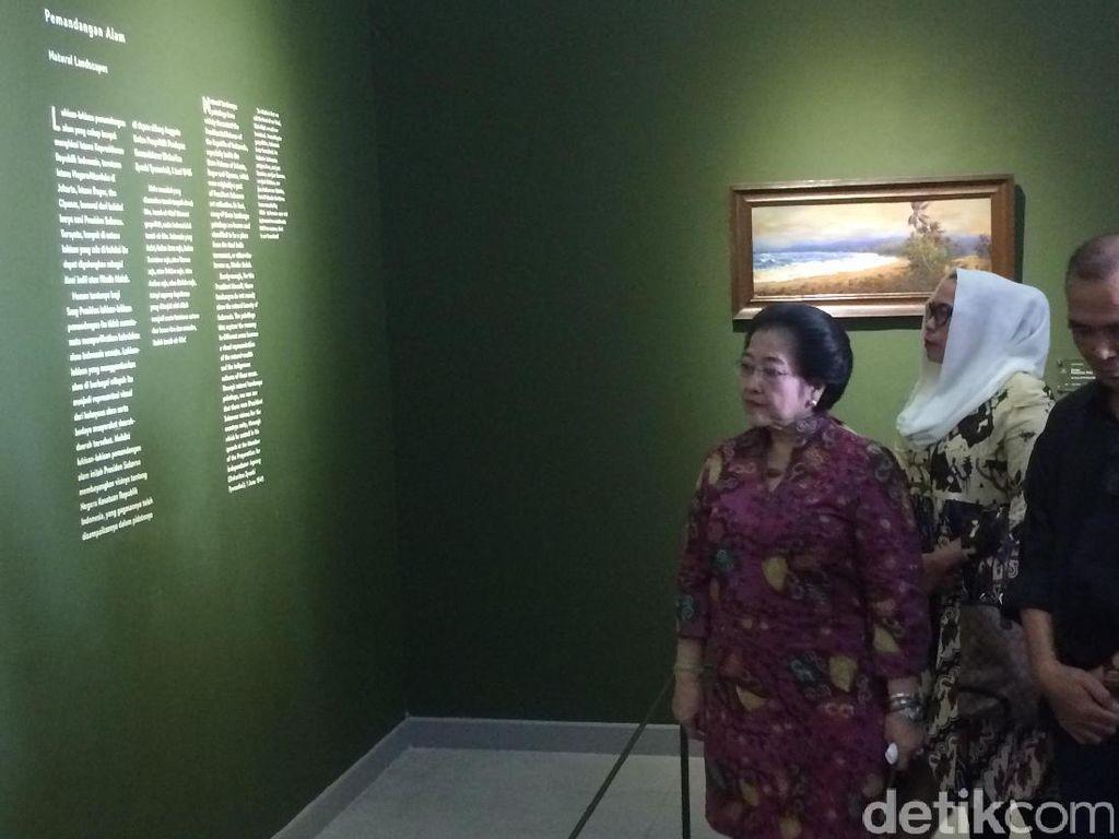 Saat Megawati Kenang Lukisan-lukisan Istana di Galeri Nasional