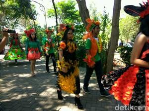 Fashion Show Busana Daur Ulang Peringati Hari Lingkungan Hidup