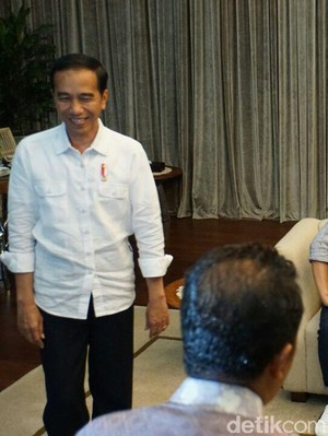 Jokowi Tak Bisa Penuhi Undangan AHY