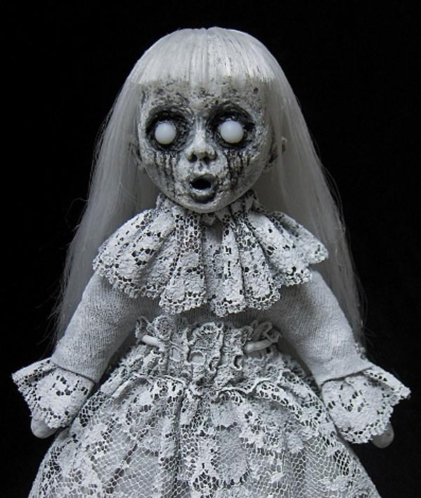 Foto 15 Boneka Yang Nggak Kalah Seram Dari Annabelle Hii Bikin