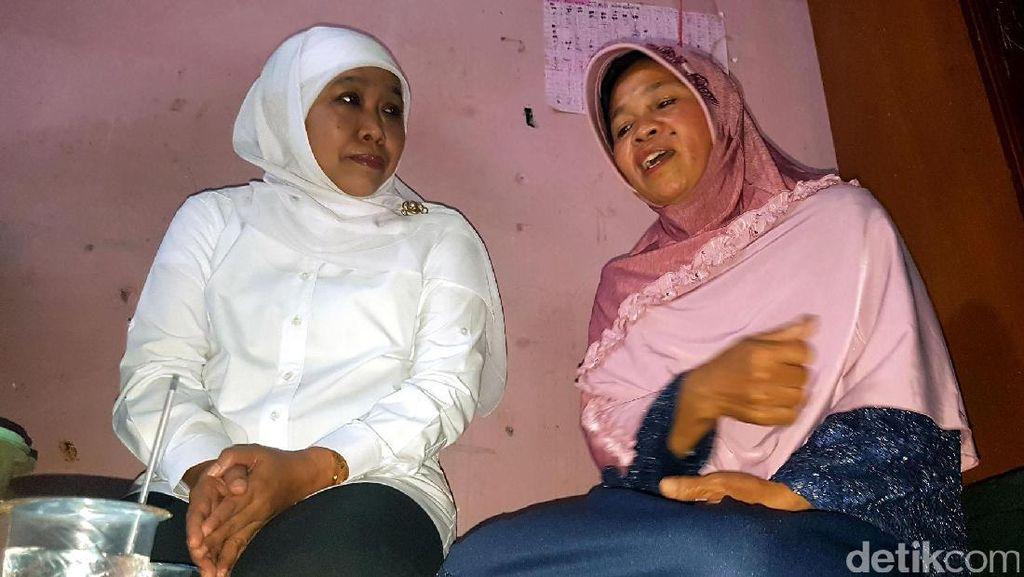 Mensos Khofifah Datangi Rumah Keluarga SR yang Tewas di Sekolah