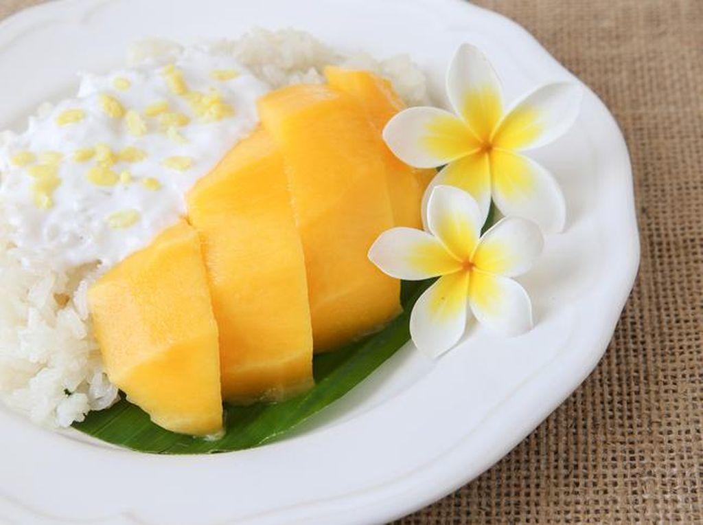 Legit Manis Mango Sticky Rice Ada di 5 Resto Thailand Ini