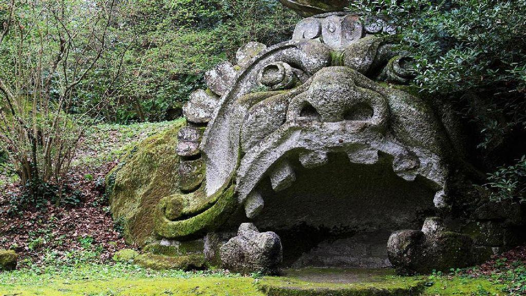 Foto: Taman Monster di Italia