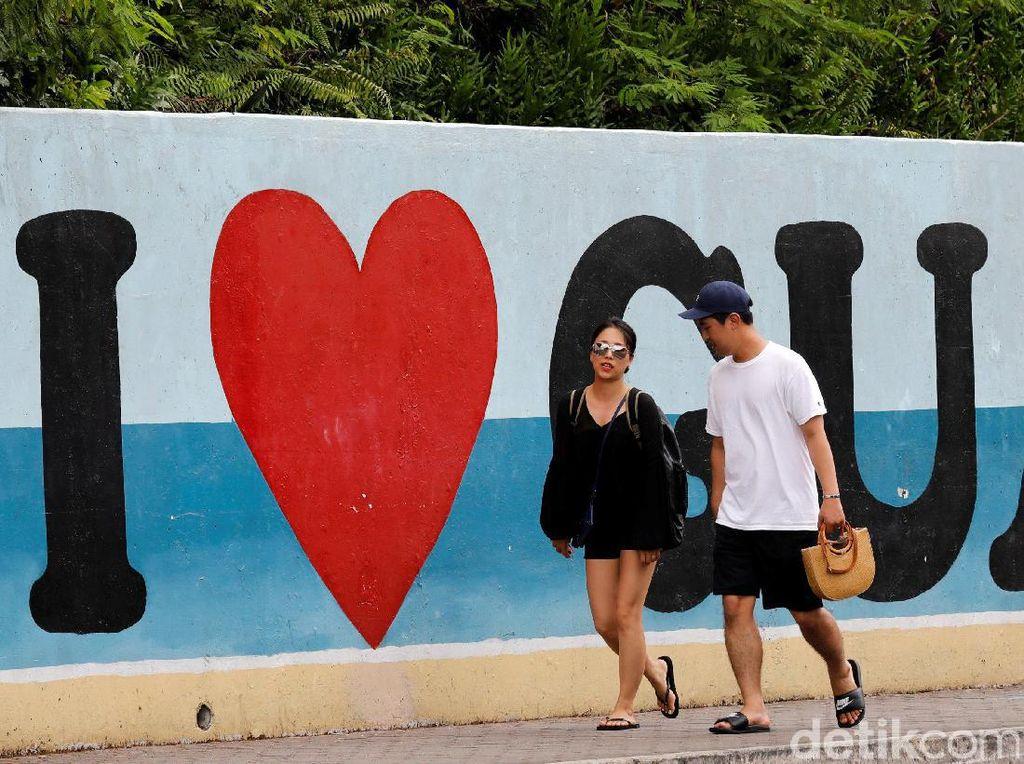 Kim Jong-Un Tunda Serangan Rudal, Warga Guam Senang