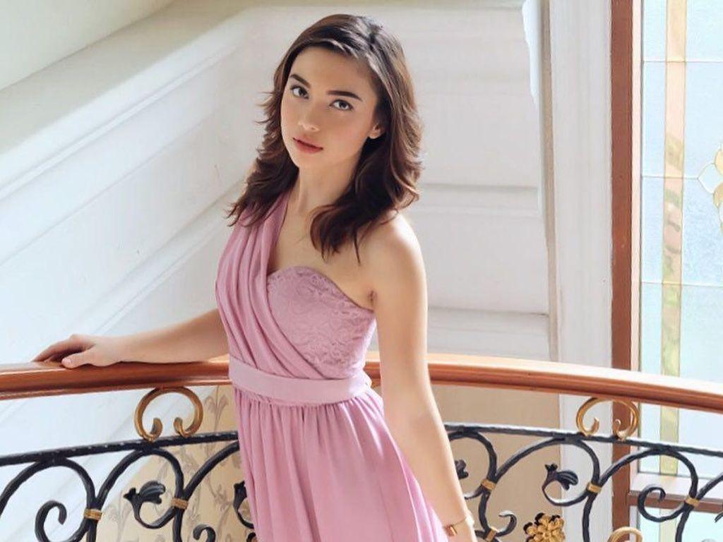 Main ke Apartemen Angela Gilsha, Cerita Soal Putri Duyung hingga Koleksi Akik