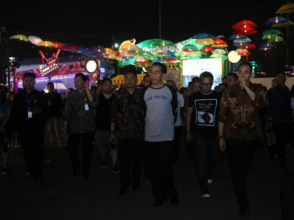 Video: Jokowi Seru-seruan di We The Fest 2017 Hari Pertama