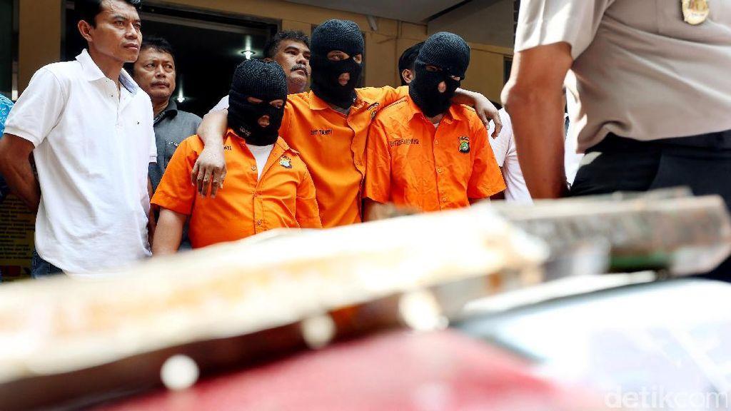 Polisi Bekuk Komplotan Curanmor Modus Mobil Kanibal